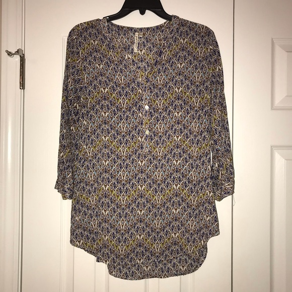 grand & greene Tops - Women's printed 1/4 gold button blouse